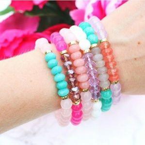 😎🖤🦇 Blue Bracelet 🦇🖤😎 Beautiful hi ù updo